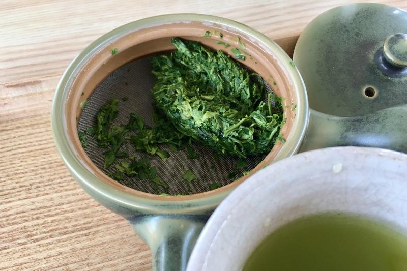 浅蒸し茶の茶葉