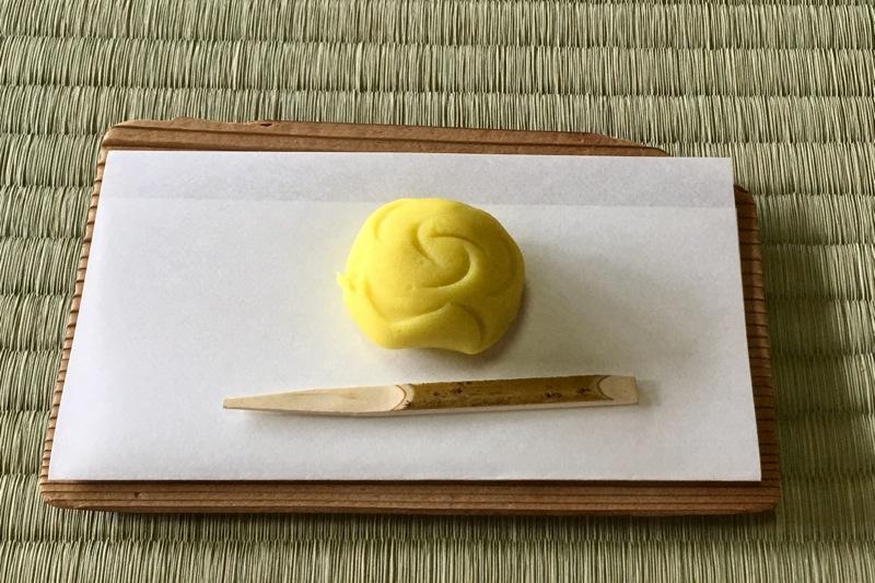薔薇の生菓子